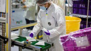 <div>Ford augmente la production d'EPI essentiels et développe de nouveaux PAPR</div>