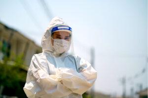 Jeanologia utilise sa technologie à l'ozone pour désinfecter des masques-écrans de protection