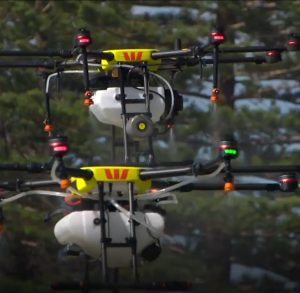 Une banque australienne veut pulvériser du désinfectant à partir de drones dans les écoles et les maisons de retraite