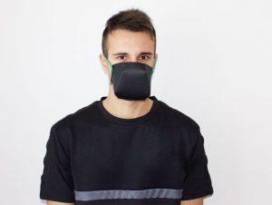 """Le masque facial """"Willy"""" est fabriqué à partir de matériaux ménagers"""