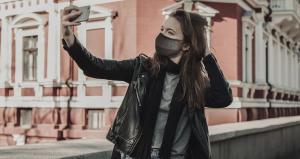 Ce masque sert également d'oreillette Bluetooth au CES 2021