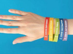 """Les bracelets """"Band Covid"""" communiquent clairement l'état"""